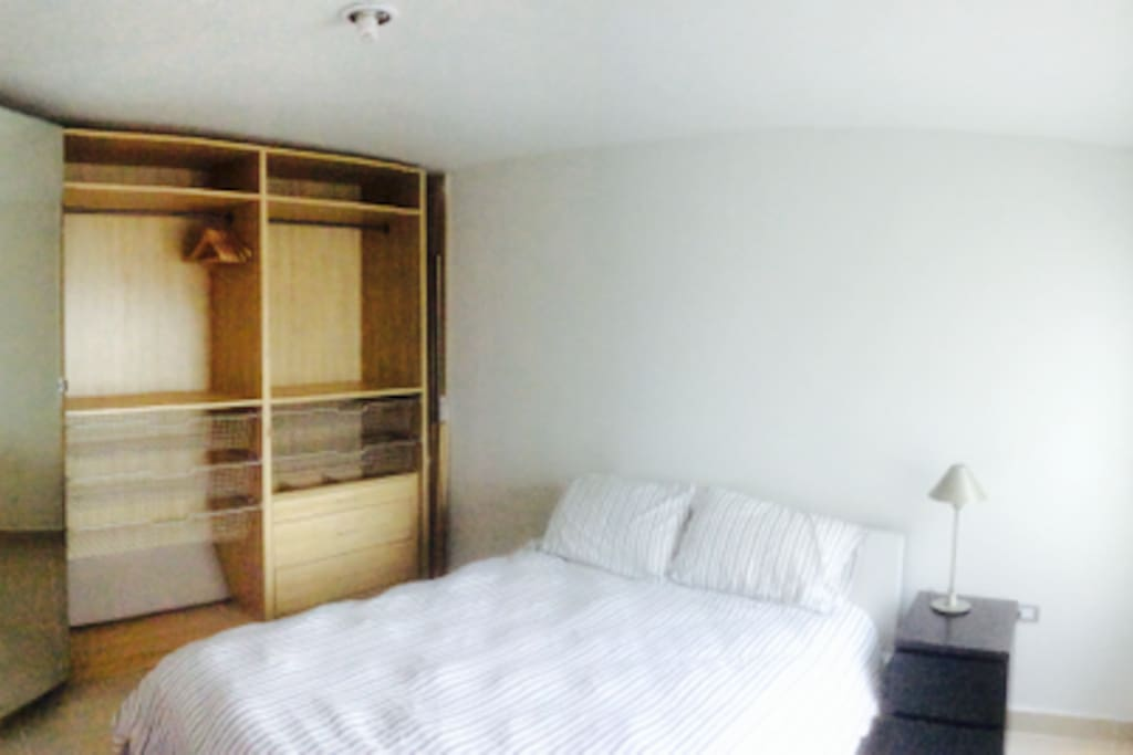 Big Bed, Great Light and Big Wardrobe with mirror