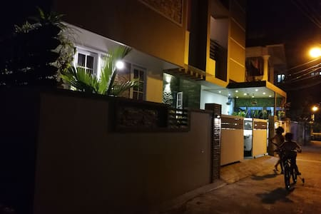 AL SHAZ  HOME STAY (A/C Service Apartment)