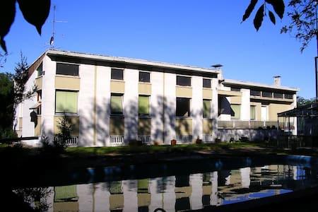 Grande villa stile anni 50 - Castellanza
