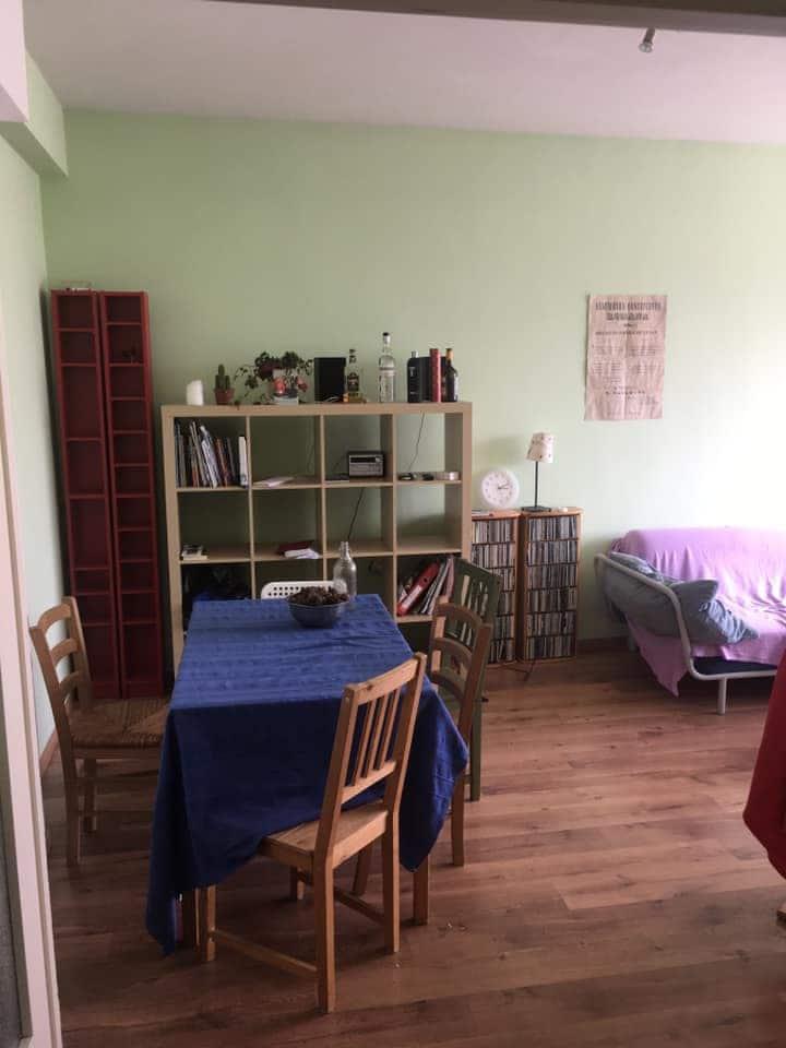 Chambre disponible pour voyageurs - Place Flagey