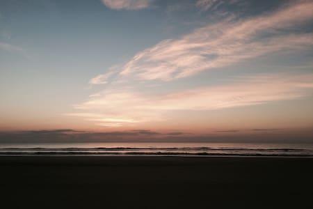 Beach Hut Getaway - Jacksonville Beach - Pis
