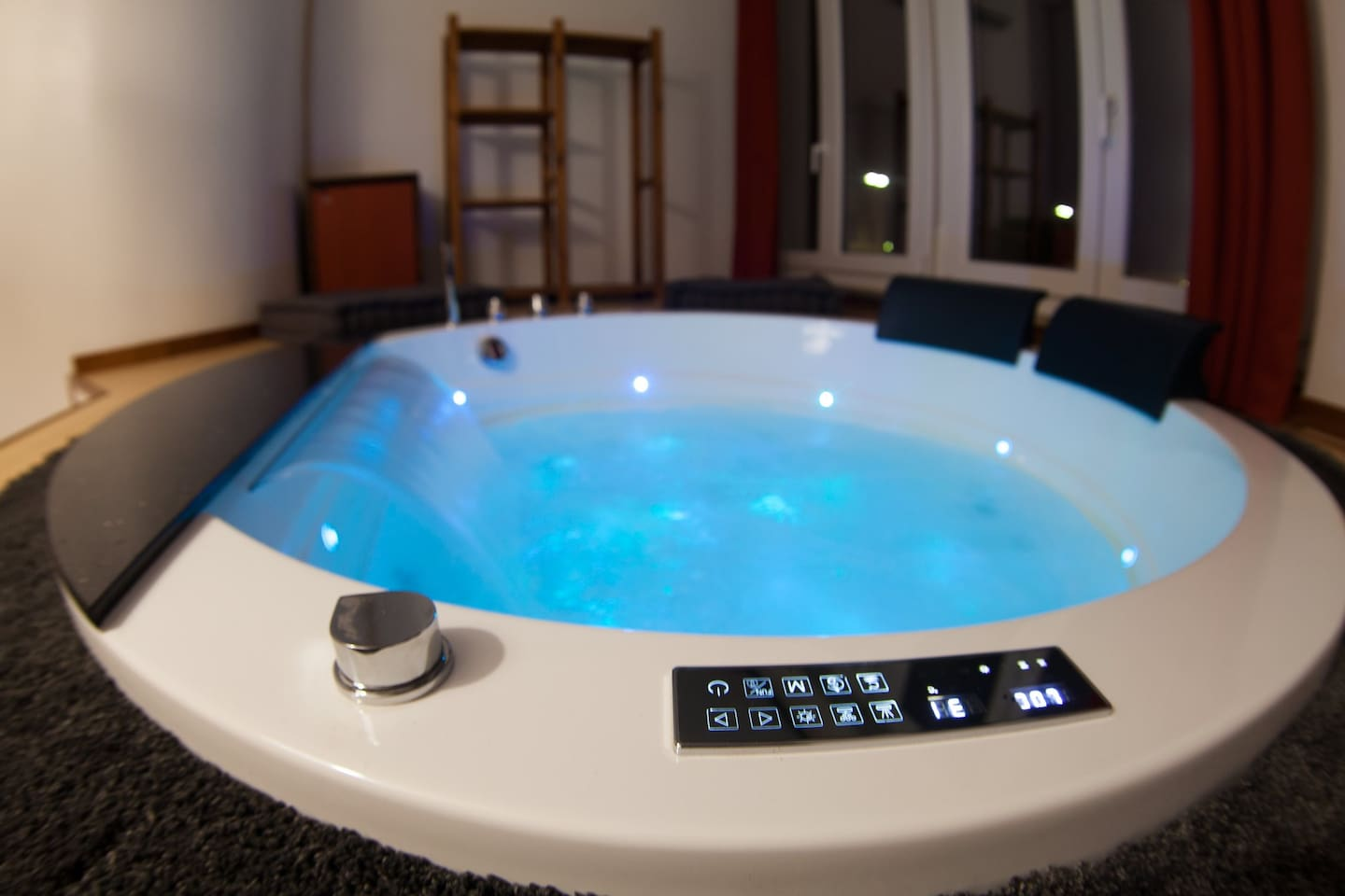 PROMO PRICE! - Imperial Suite w/ Sauna and Jacuzzi - Apartments for ...