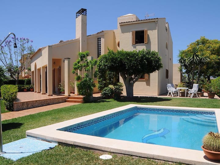 Villa en urbanizacion residencial en Palma