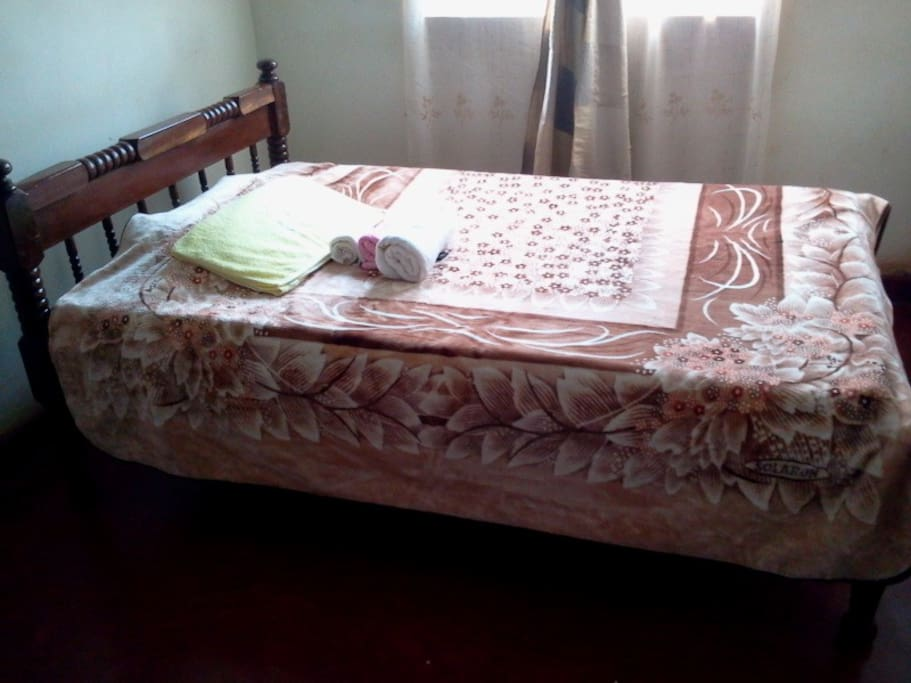GUEST BED FOR 2 OR 1
