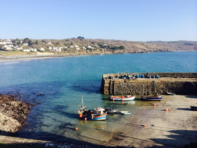 PROPERTY NOT CURRENTLY FOR RENT - Coverack - Hus