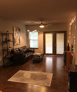 Modern Apartment, easy access to Ole Miss/Square - Oxford - Apartment
