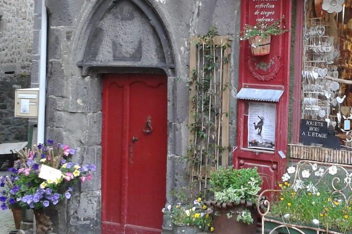 Appartement dans la cité médiévale de Besse