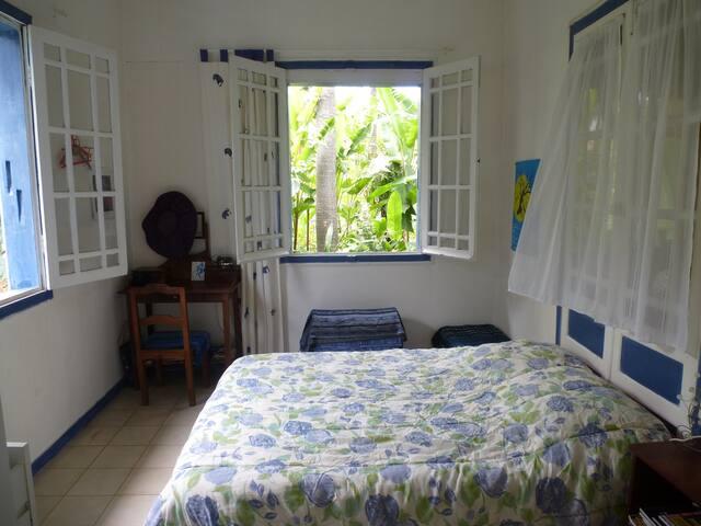 chambre dans une vraie case créole