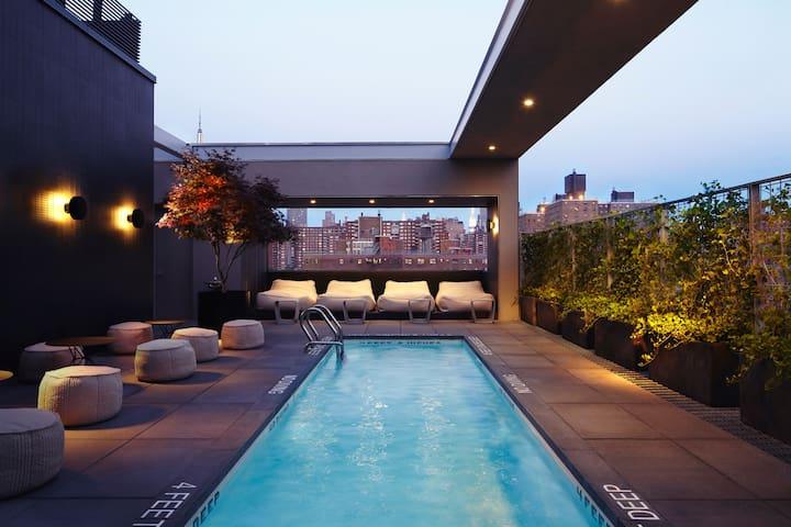 Amazing City skyline view  luxurious apartment