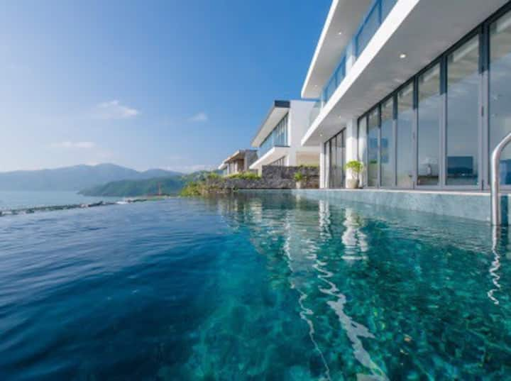 Luxury Villa 5 Bedroom ocean view