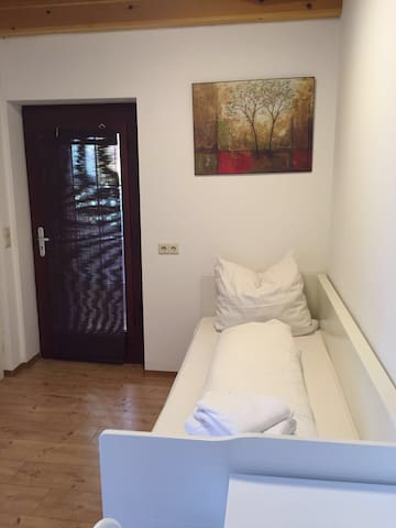 Single Appartement Nürtingen Center - Nürtingen - Byt