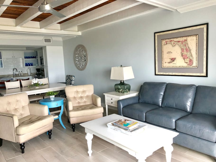 Living room with Direct Access to the Atlantic Ocean