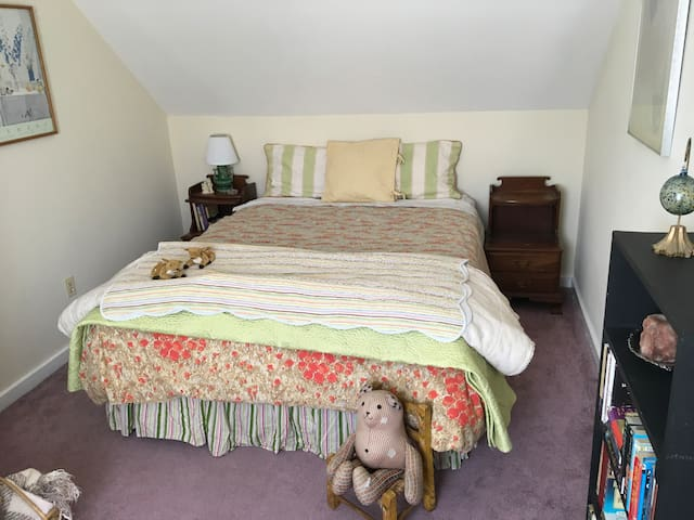 Lovely Vermont Farmhouse room near Killington/Pico