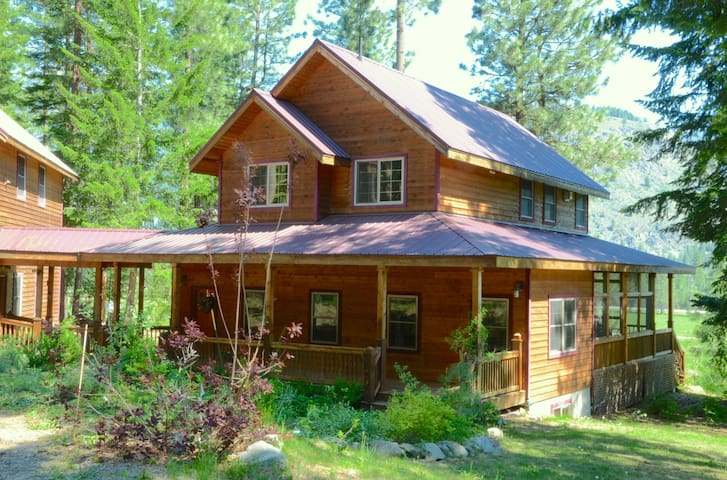 Alpine Valley Lodge-Just Gorgeous!