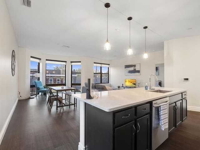 Luxury Condo in the Heart of Little Italy #307