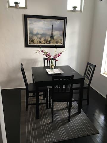 apartamento estudio del tamaño de una recamara - Miami Beach - Apto. en complejo residencial