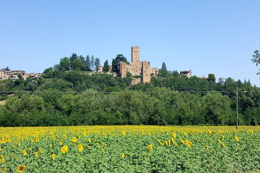 Nearby town Castell'Arquato