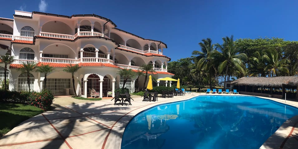 Dream 2 bed beachfront condo Encuentro surf acwifi