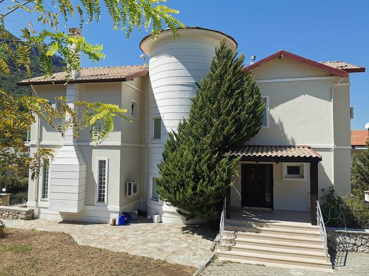Villa Lady Well, Large villa Ideal  family brakes