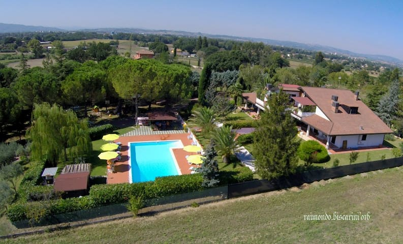 VILLA WITH POOL, SPA, GYM, SAUNA, JACUZZI -ASSISI