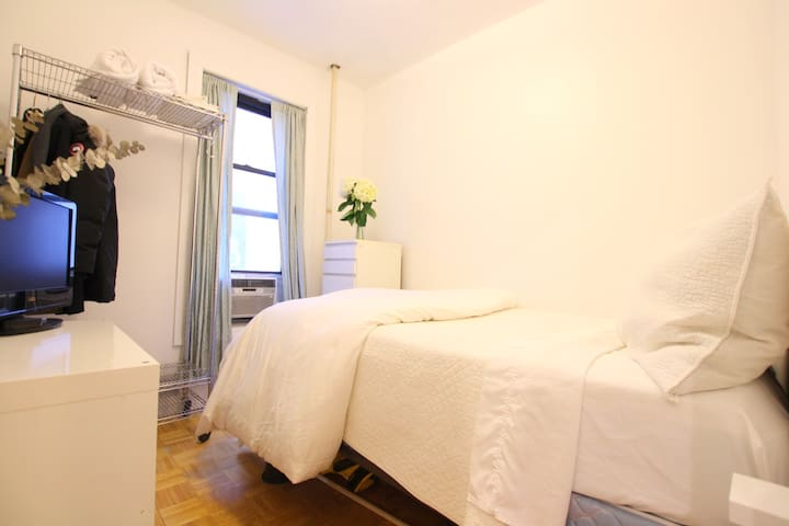 Charming Room on Prime SoHo Block