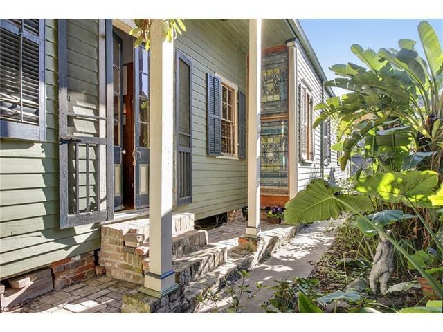 Quaint Bywater Studio for Two