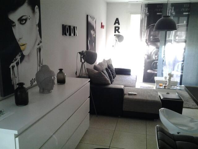 Coquette chambre privée avec sdb - Sainte-Marie - Bed & Breakfast