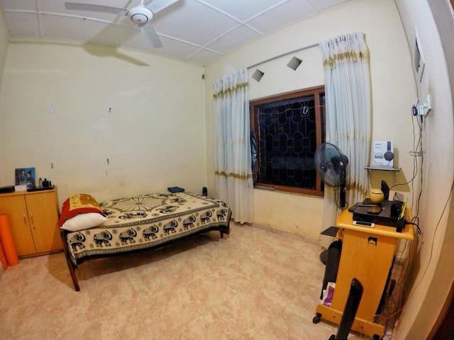 Simple room in Matara