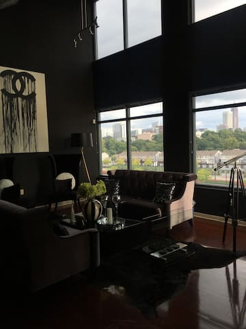 AS SEEN ON TV - MIDTOWN PENTHOUSE W/ SKYLINE VIEWS - Atlanta - Loft
