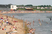 Do you want to go to the beach of Heerhugowaard? 5 minutes from our stay.