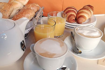 Comodo e confortevole, ottima colazione, free wifi - Sassari