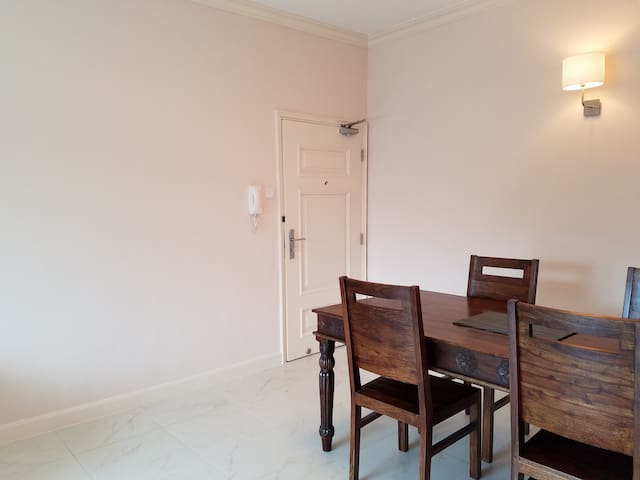 Bright & spacious apartment in Discovery Bay.