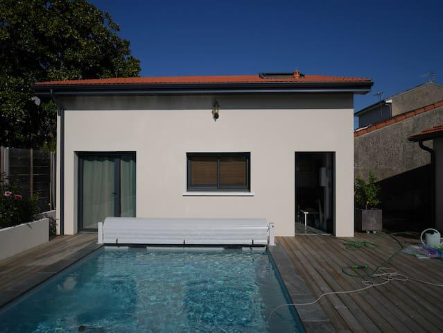 Duplex indépendant avec piscine