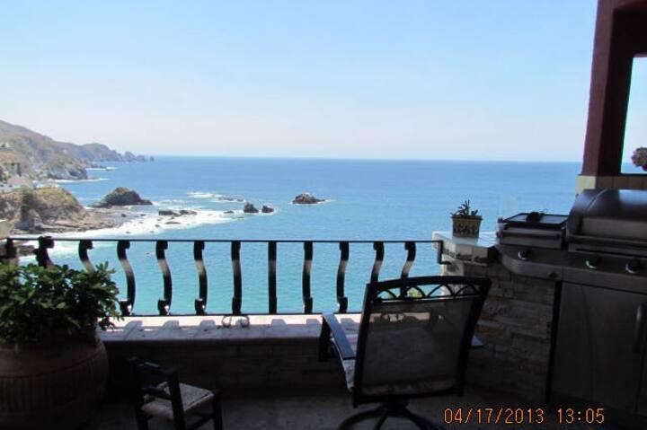 Casa Tranquila - Ocean Front!