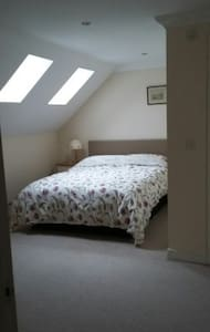 No 6. Loft room in modern house - Holt