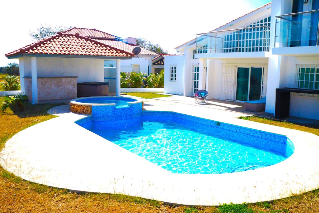 Pool with mini-pool for kids and grown-ups