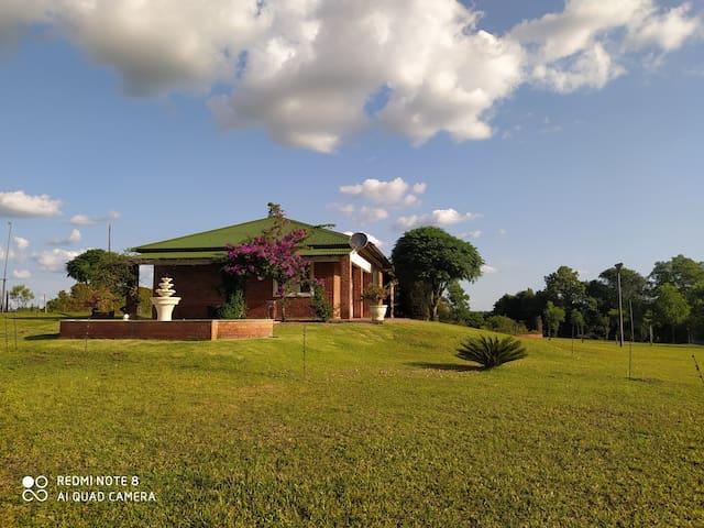 Casa de campo alto padrão