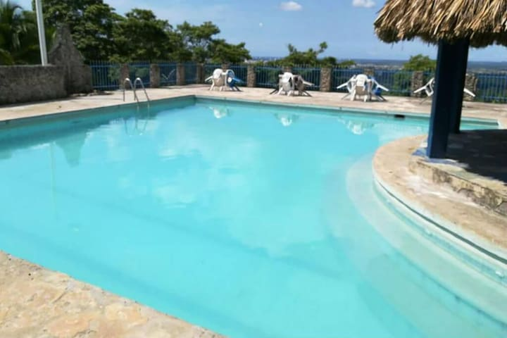 Large Finca with swimming pool and hammocks, located in Turbaco!