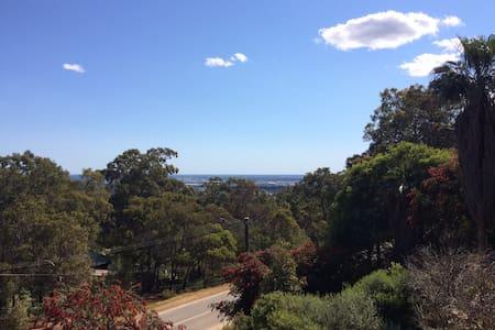 Fantastic Views at Quenda Creek - Gooseberry Hill