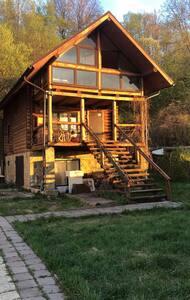 Дом на берегу Волги