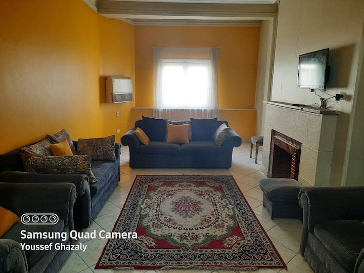Deluxe Apartment in Downtown, Cairo