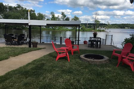 Mississippi River Cabin, Quad Cities - Bettendorf