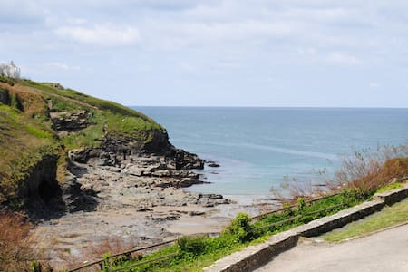 Pop's Place, Port Gaverne,  Port Isaac