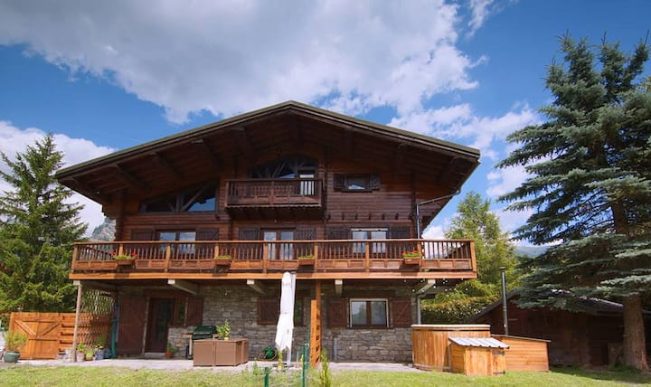 Luxury **** Traditional Chalet in the French Alps
