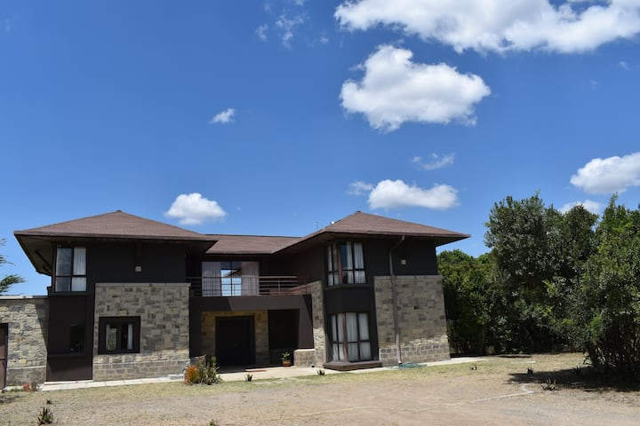Villa in the wild Mount Kenya wildlife estate #22
