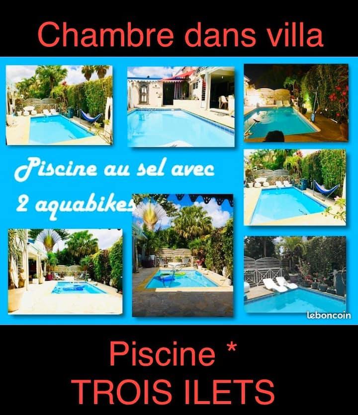 🌴Chambre dans superbe villa*piscine🏊♀️*TROIS ILETS🌴🌞