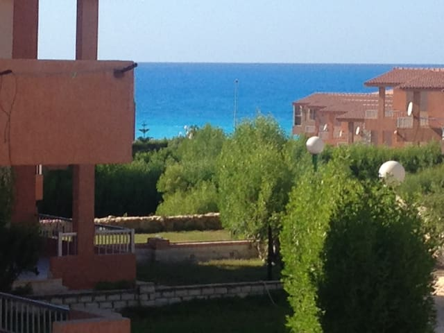 Sea View, 2 Bed room Chalet ,with Private Garden