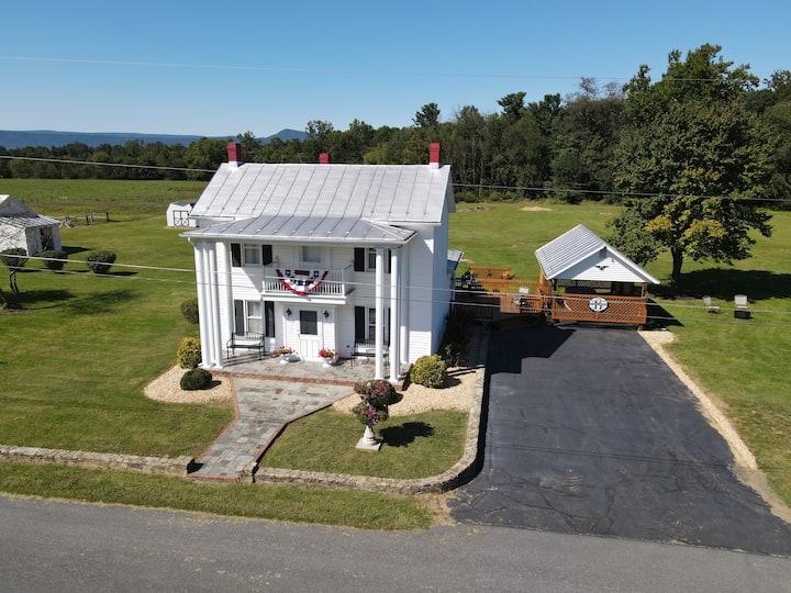 The Baker Farm House - Relax & Rejuvenate