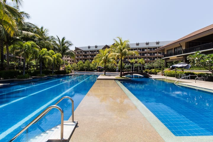 Luxury Stay 2BR Deluxe Resort/Close to Center - Las Piñas - Pis