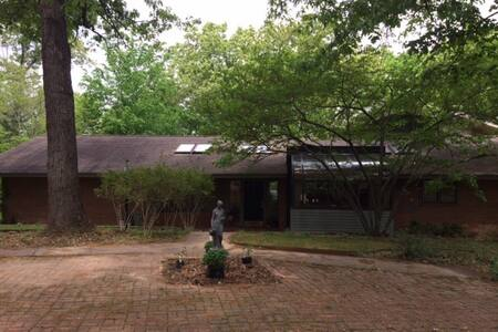 5000 sq ft Exec Lake House Retreat - Rogers